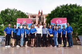 Chi bộ, Công đoàn, Đoàn thanh niên Nhà hát Ca múa nhạc dân tộc Bông Sen tham gia Về nguồn Kỷ niệm 129 năm Ngày sinh Chủ tịch Hồ Chí Minh